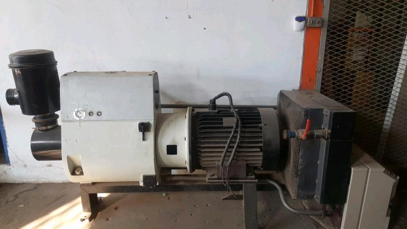 75kw/400CFM Hydrovane Compressor