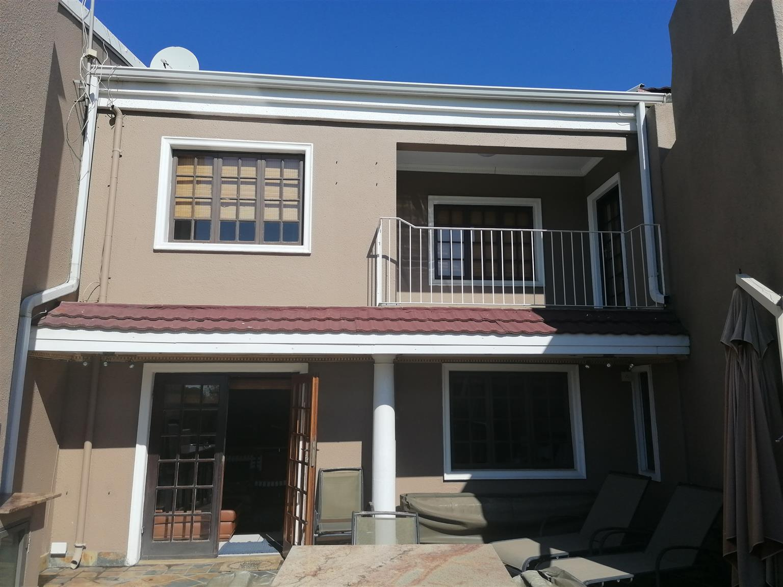 lovely 2,5 bedroom apartment on the shores of the vaal river in Vereeniging