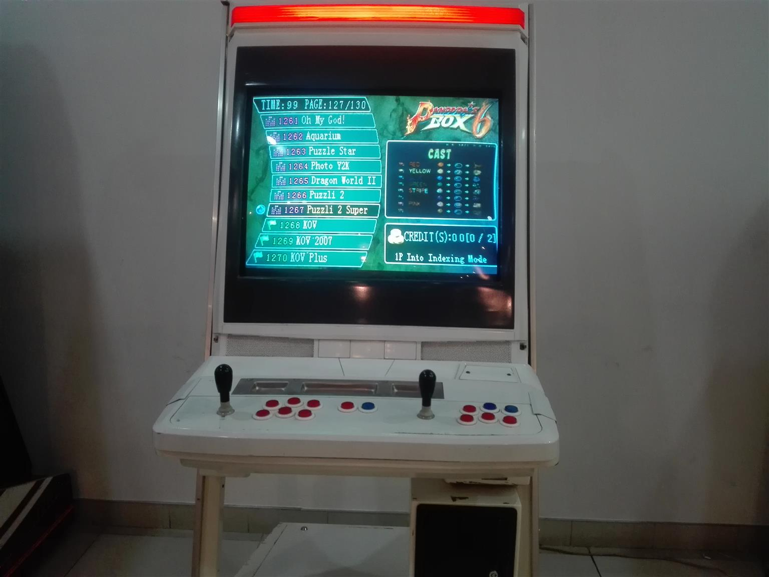 AM SELLING AN ARCADE GAME
