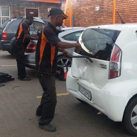 windscreen repairs and replacements