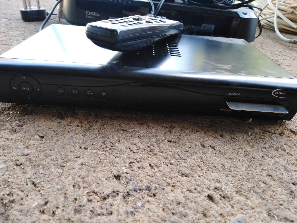 DSTV EXPLORA, HD PVR AND SATELITE DISH FOR SALE