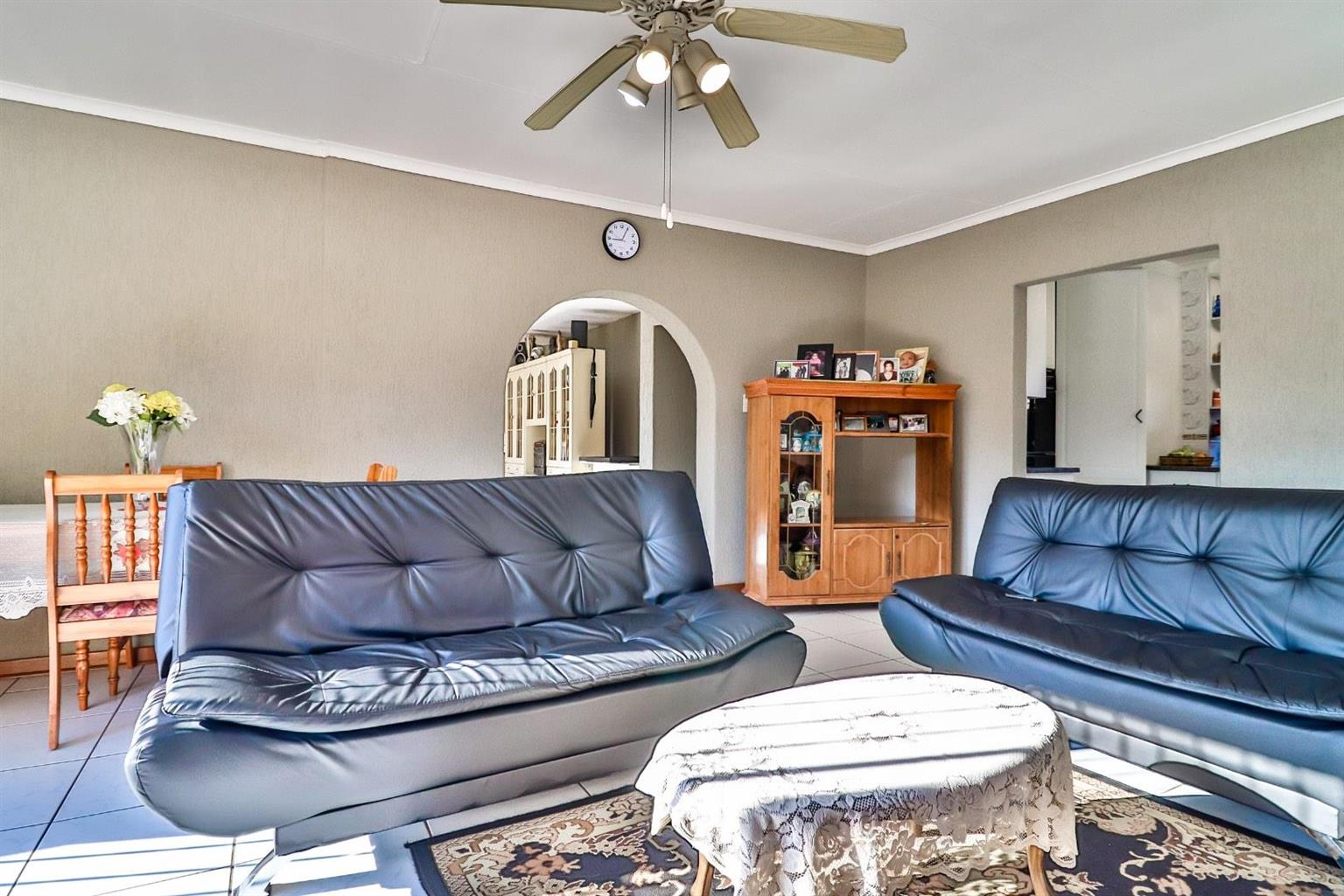 House For Sale in Mackenzie Park