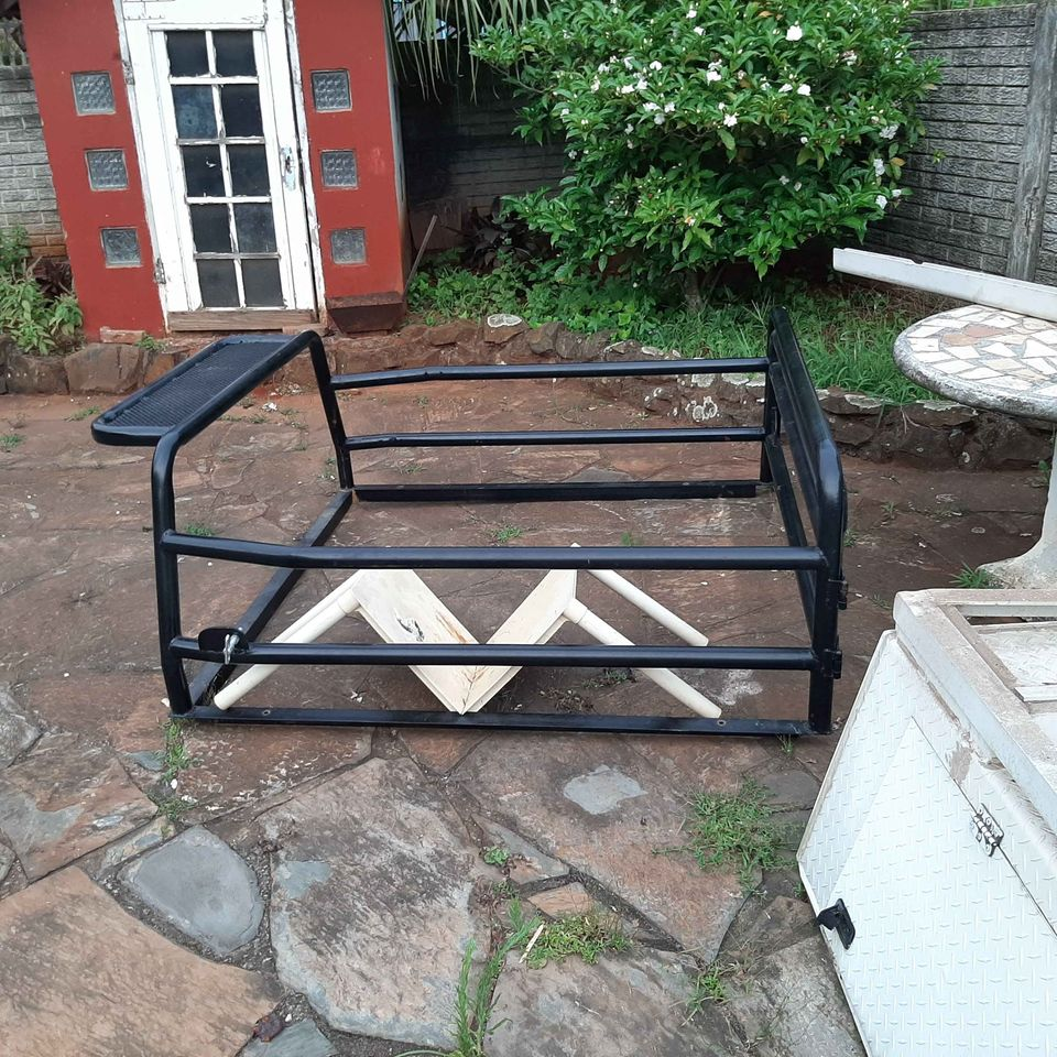 Hunters or Cattle rack With Gate to lock
