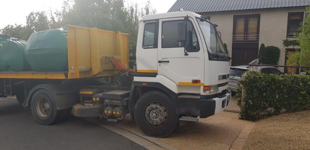 Nissan UD290 Horse and Trailer 2003 Model