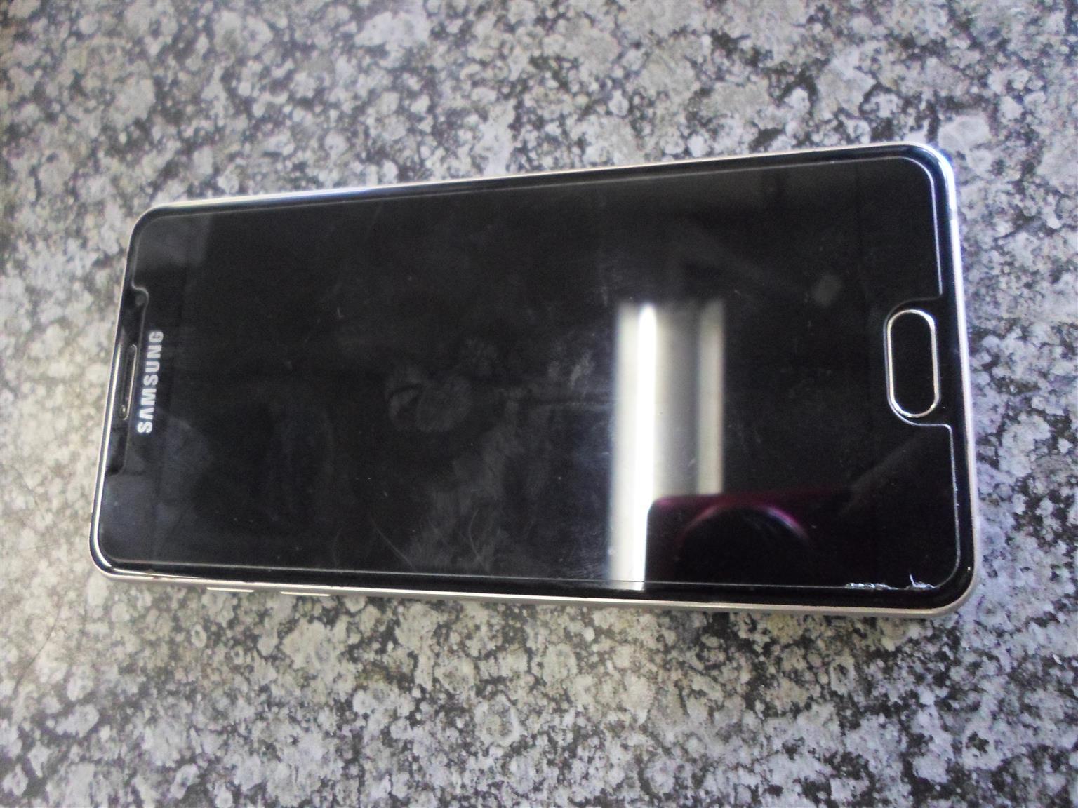 16GB Samung A5 Cellphone