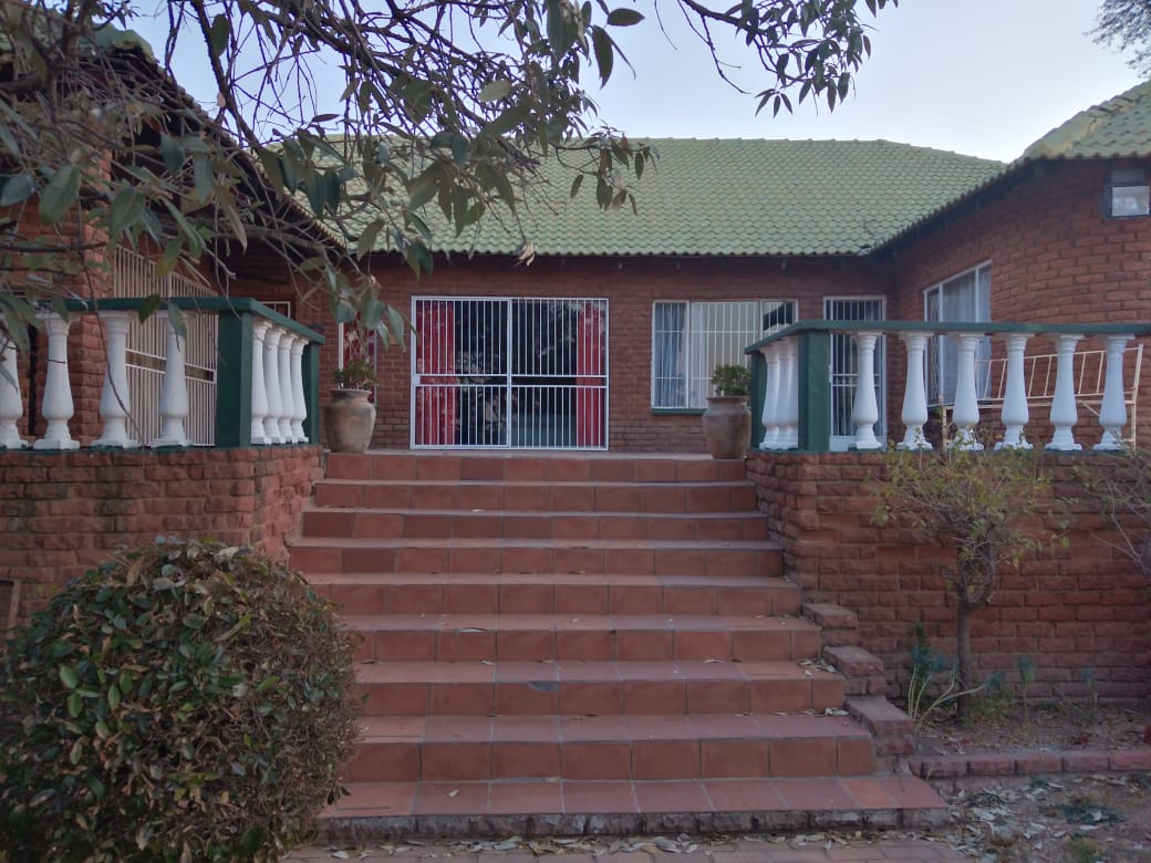 Lovely Family 4 5 Bedroom House To Rent On Plot Mnandi Area Centurion Junk Mail