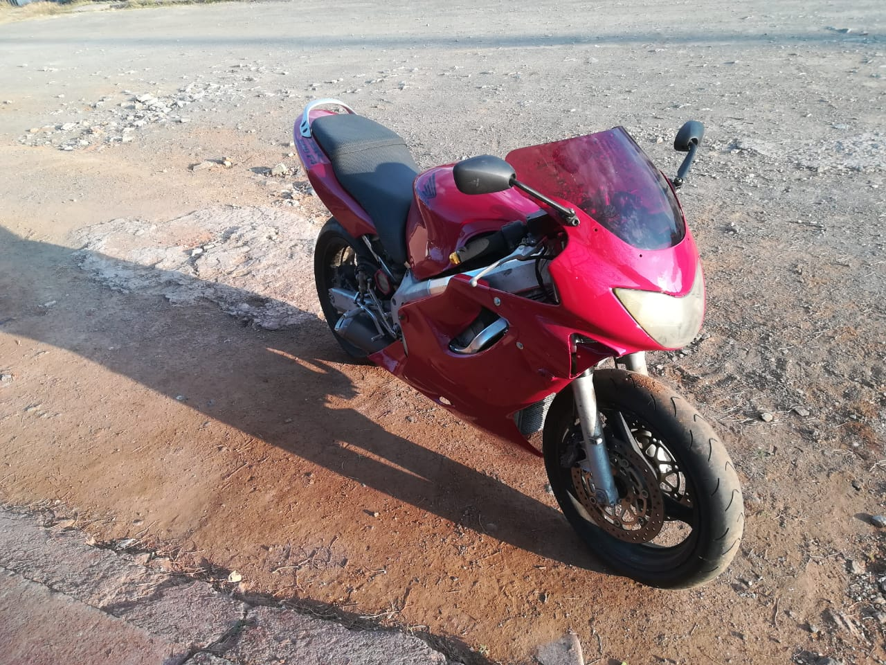 Honda Cbr 600cc F4 +lots of spares