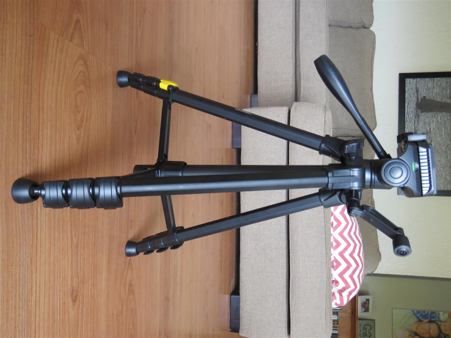 canon 600D SLR for sale