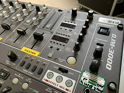 I'm selling my dj mixer