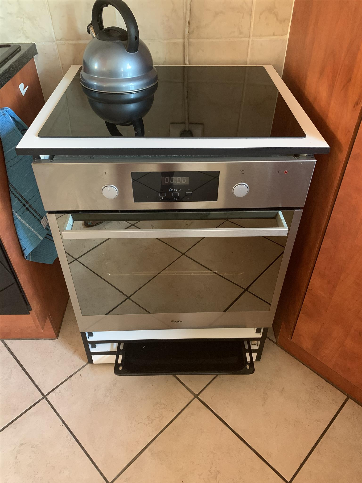 Whirlpool induction oven & hub