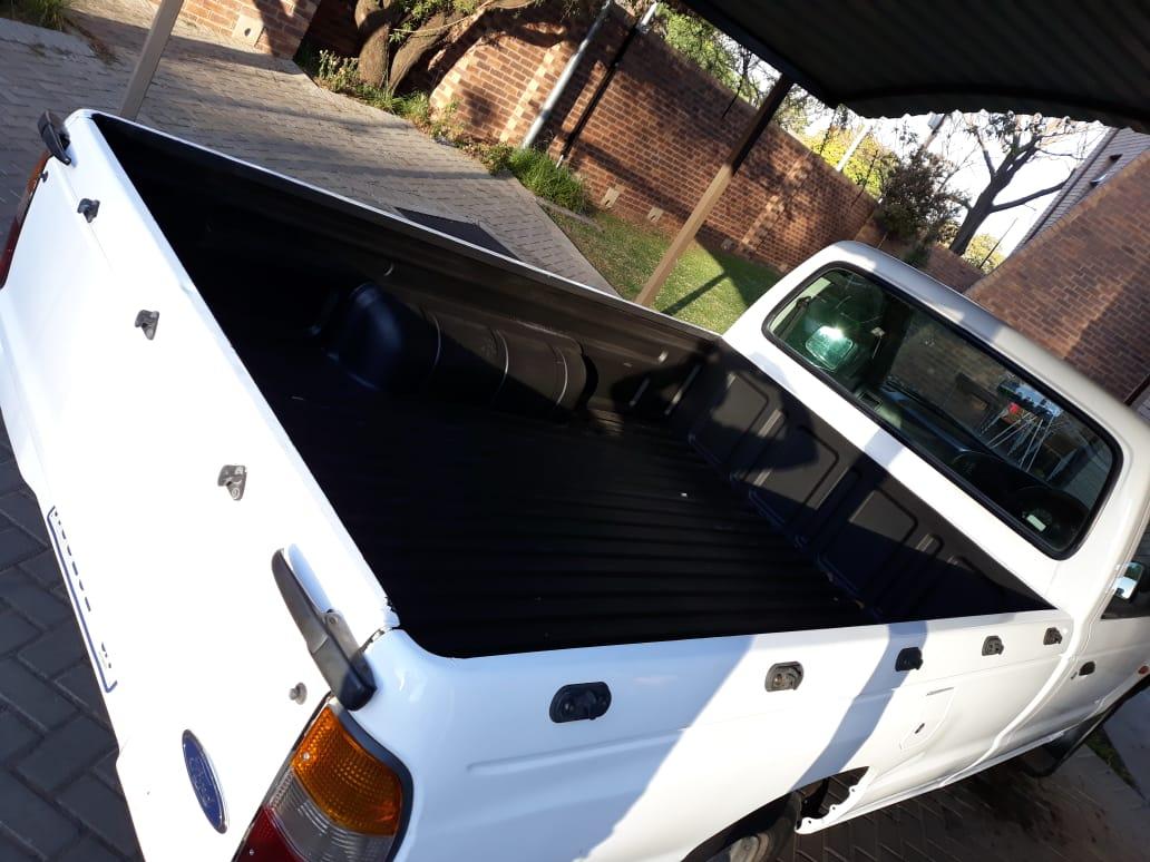 2001 Ford Ranger single cab RANGER 2.2TDCi L/R P/U S/C