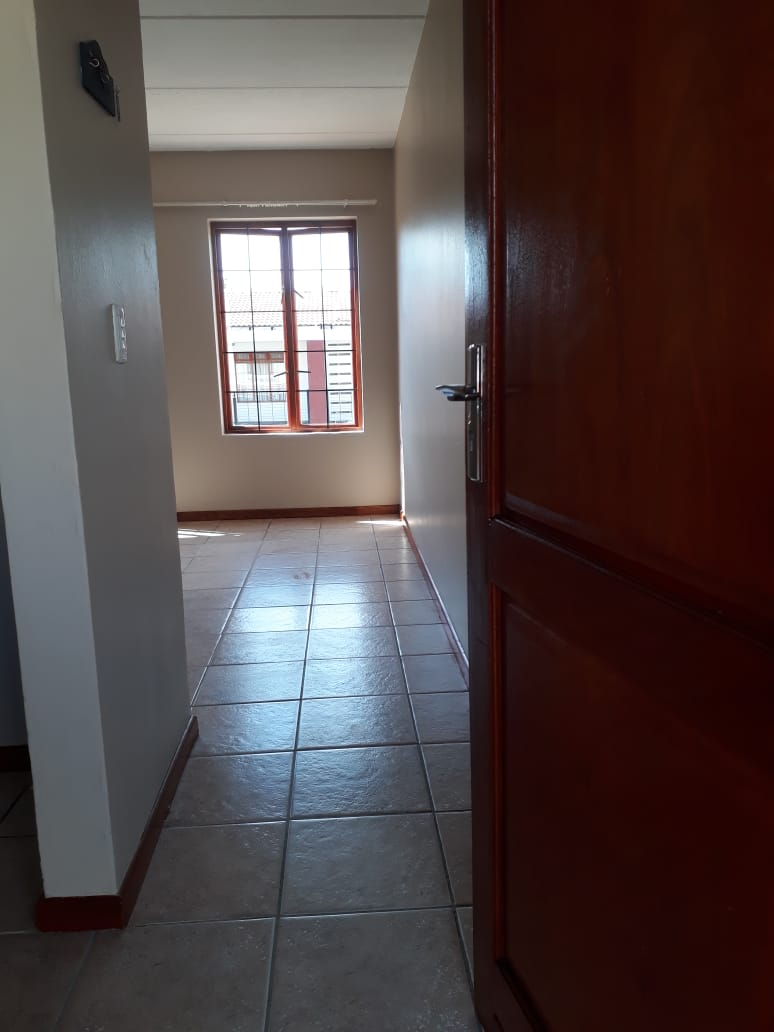 1 BEDROOM FLAT AVAILABLE TO RENT IN MONTANA