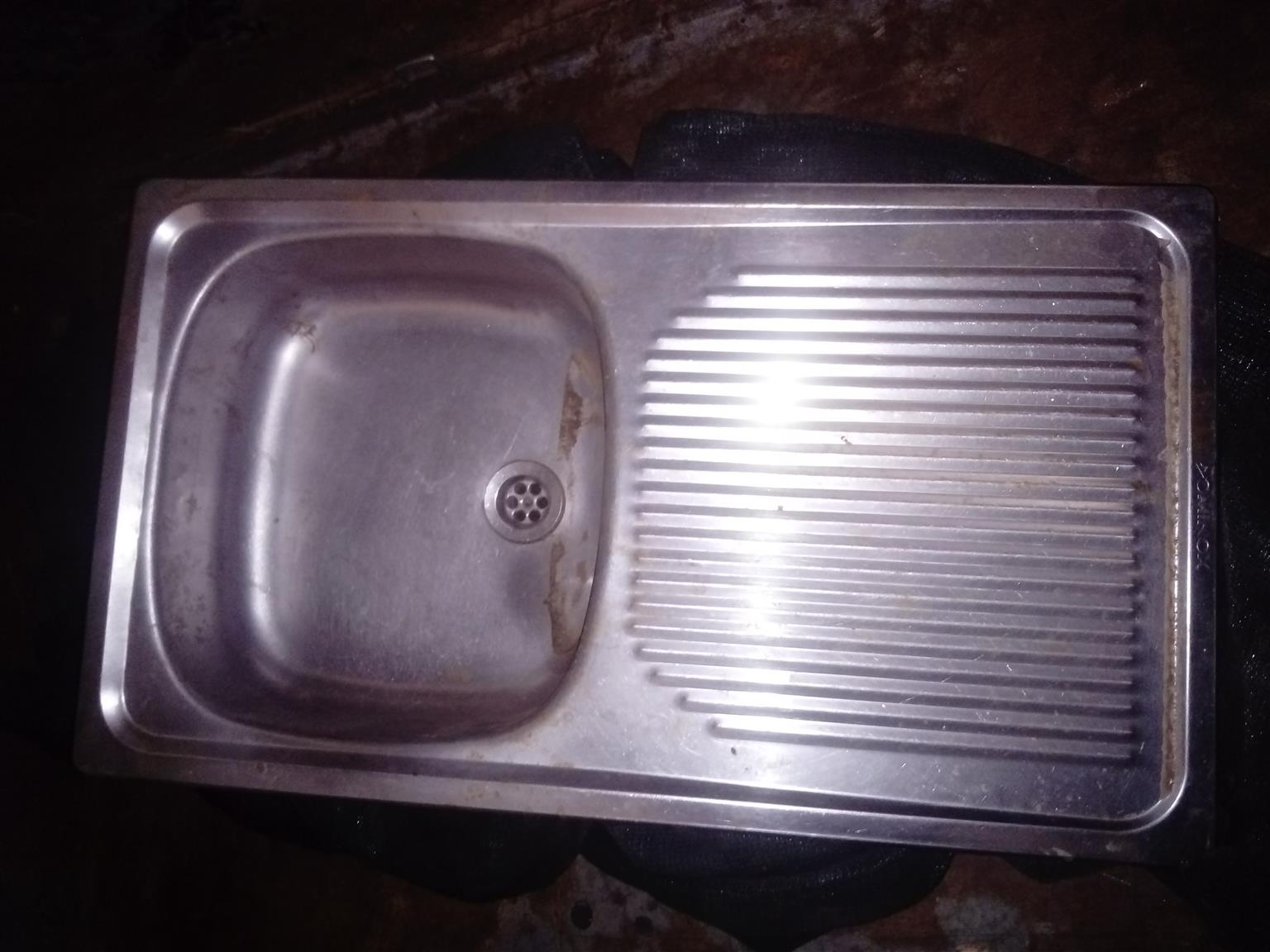 Sink. Insert drop on sink R 480. Look at attached photo what a new one cost R 1080. Uitenhage