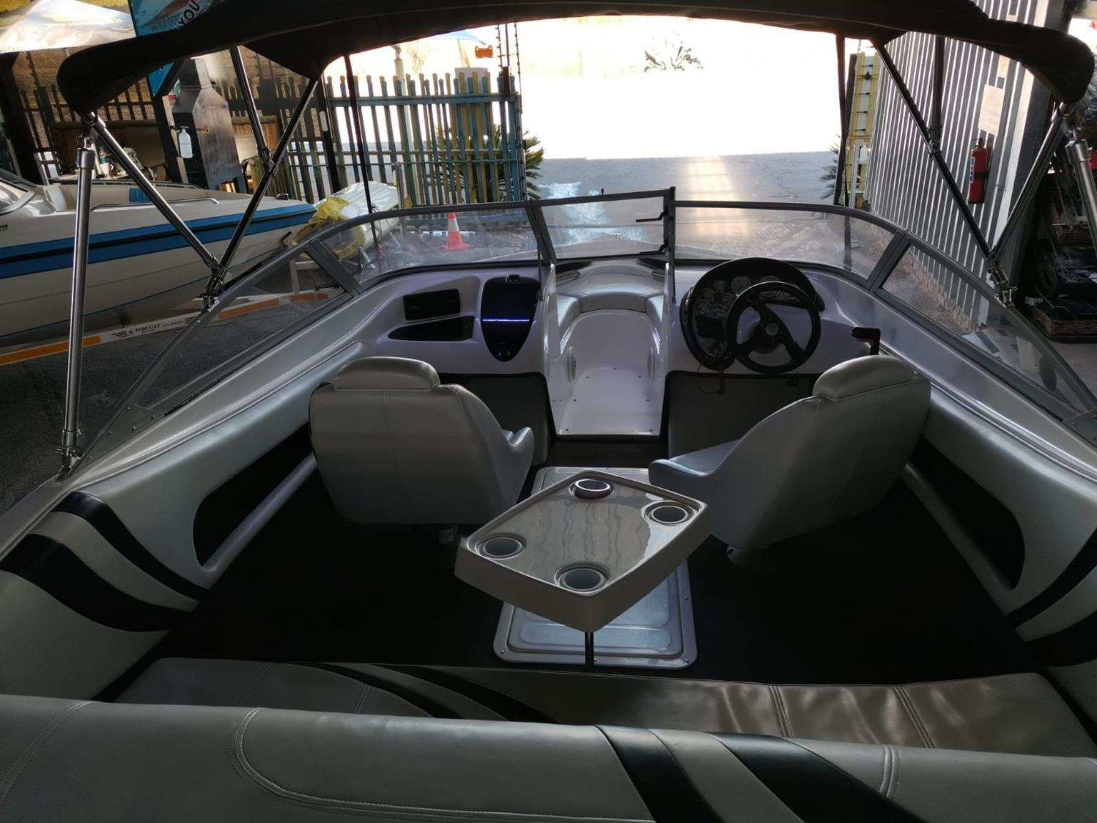2006 Scimitar 19ft, 200Hp Evinrude E-Tech