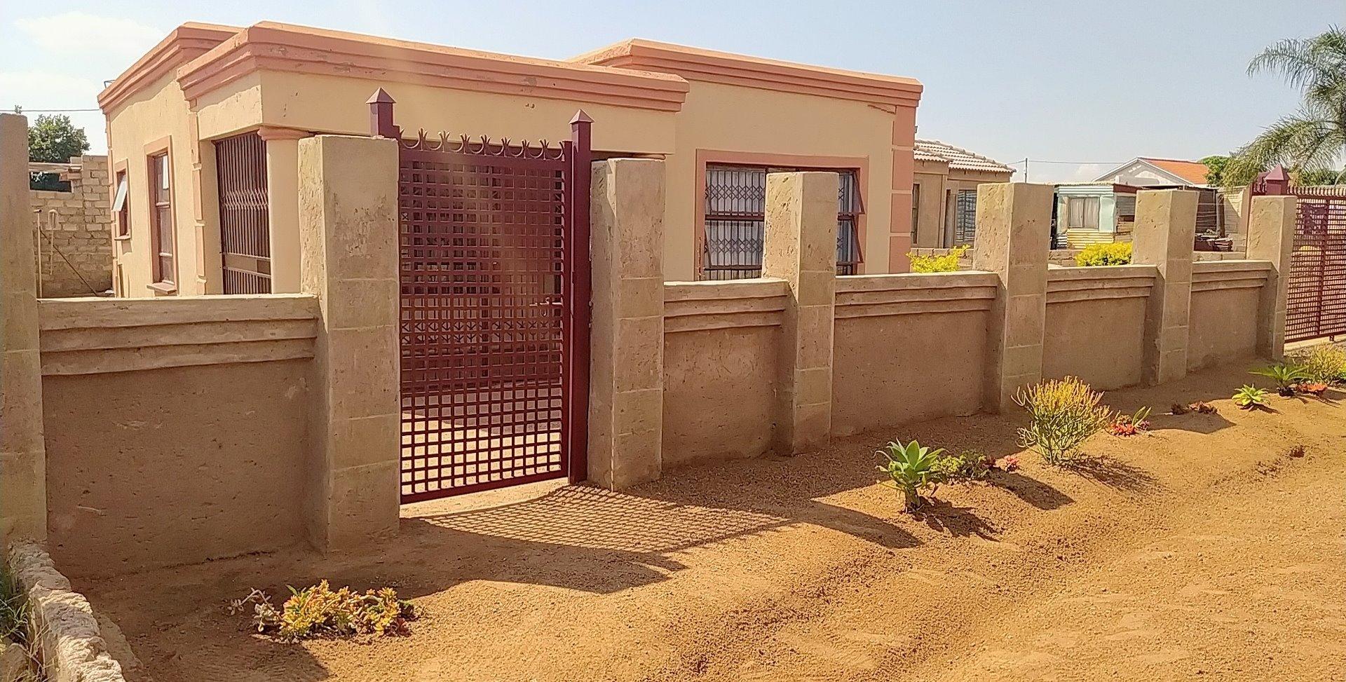 House For Sale in Soshanguve KK