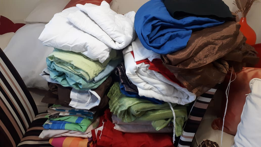 we buy unwanted  secondhand  clothes  (family clothes )