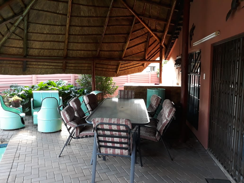 2 BEDROOM FLAT TO RENT IN THREE RIVERS