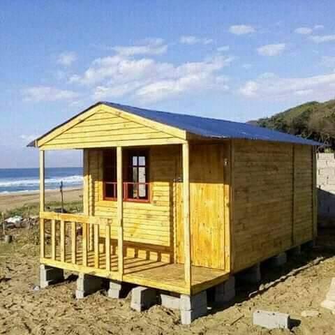 Log homes or wendy houses