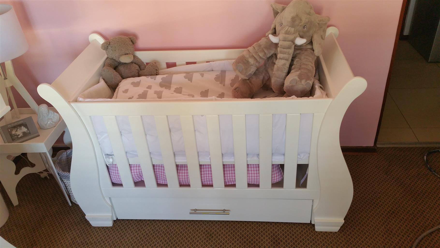 Baby Cot And Compactum Combo Item Code 16