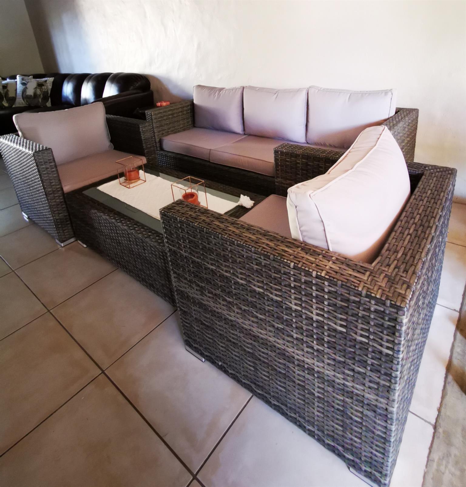 4 Piece Patio Lounge Set