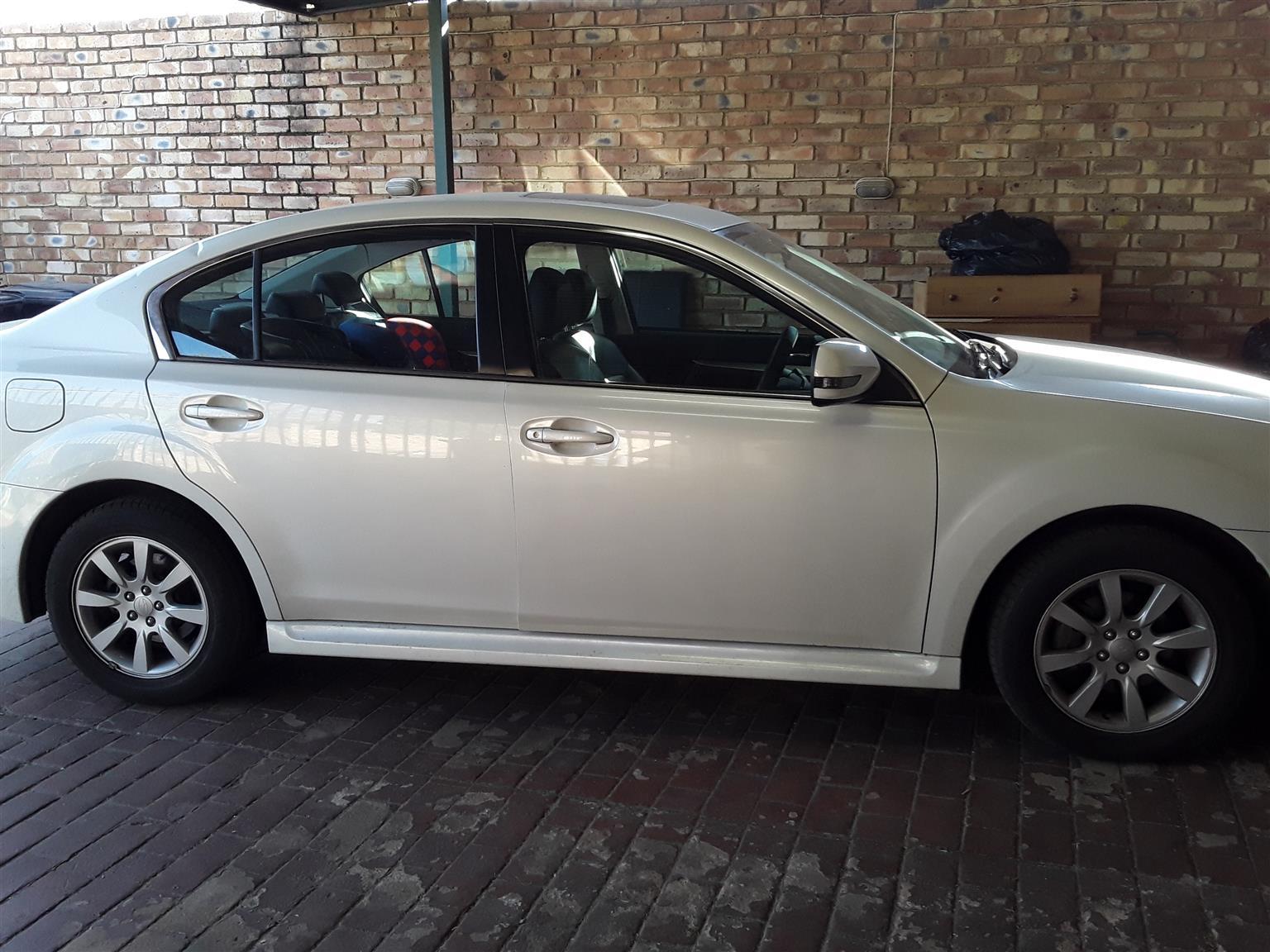 2011 Subaru Legacy 2l premium