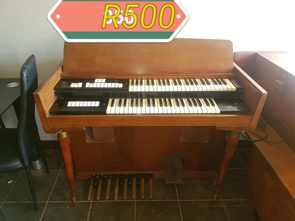 Organ For Sale >> Large Organ For Sale