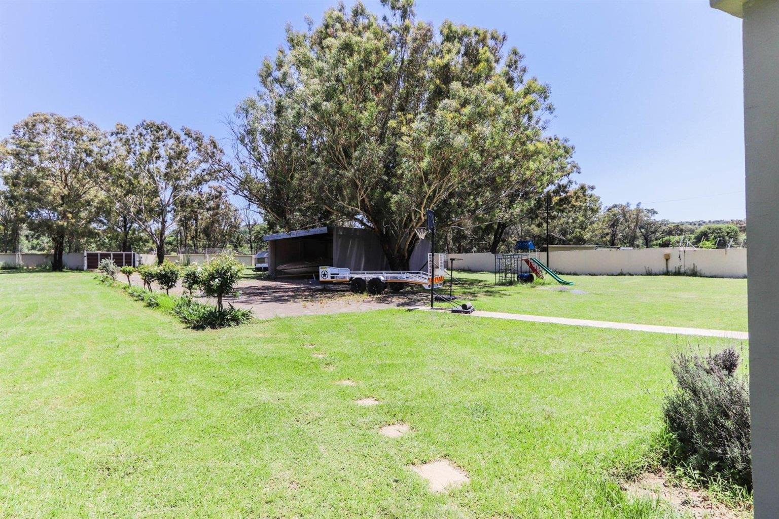 Small Holding For Sale in Walker Fruit Farms