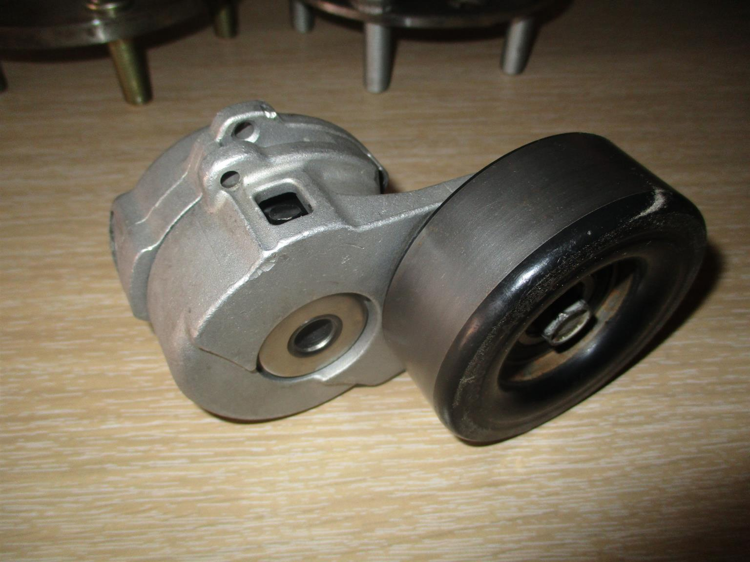 Jeep Cherokee 2.8 kj used tensioner pulley for sale