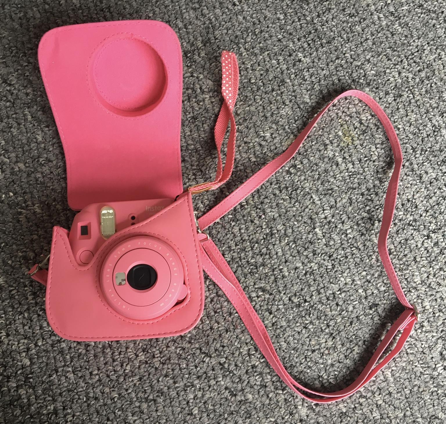 Fujifilm instax mini 9 camera set for sale in immaculate condition!!
