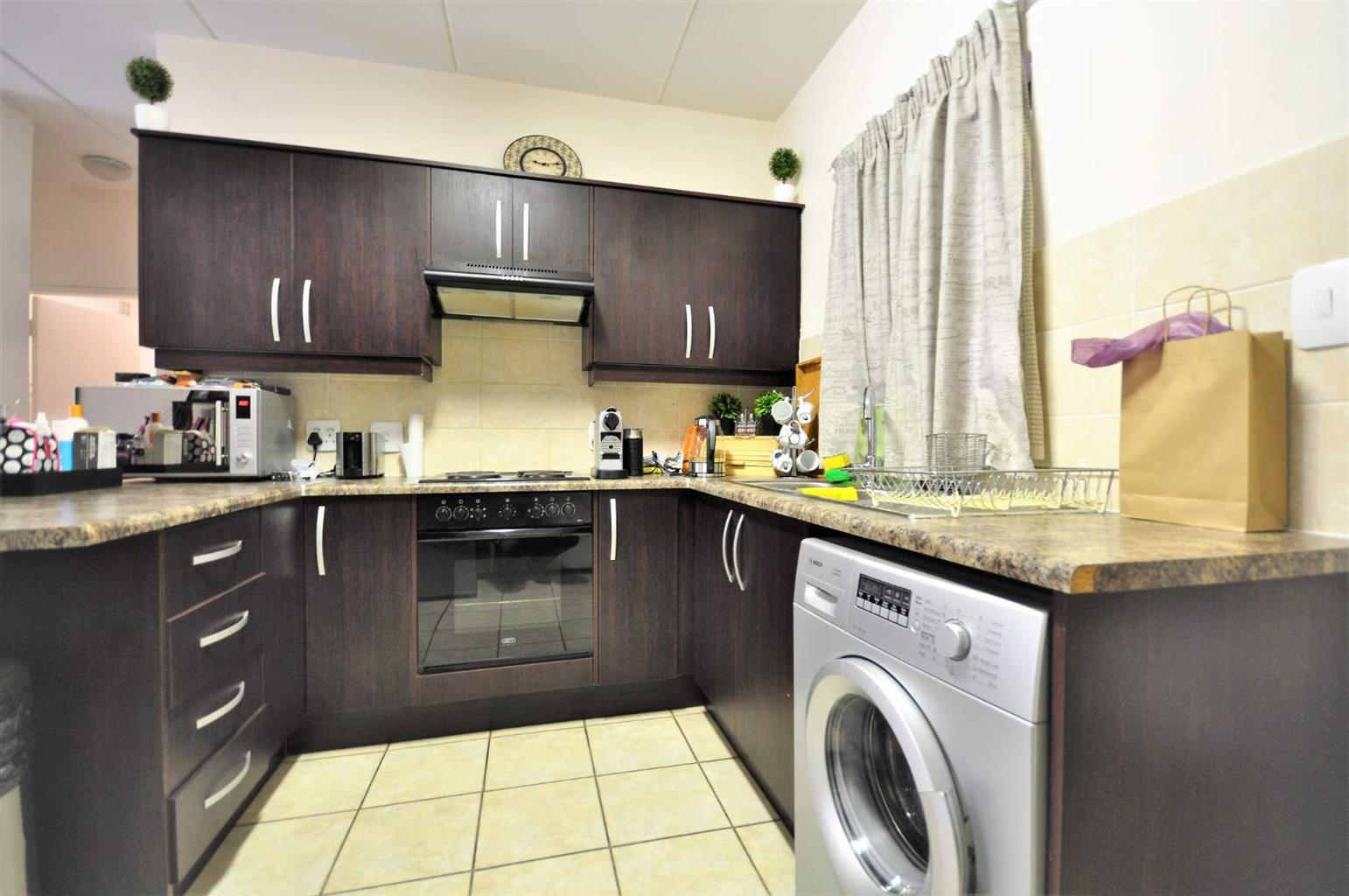 Apartment Rental Monthly in North Riding