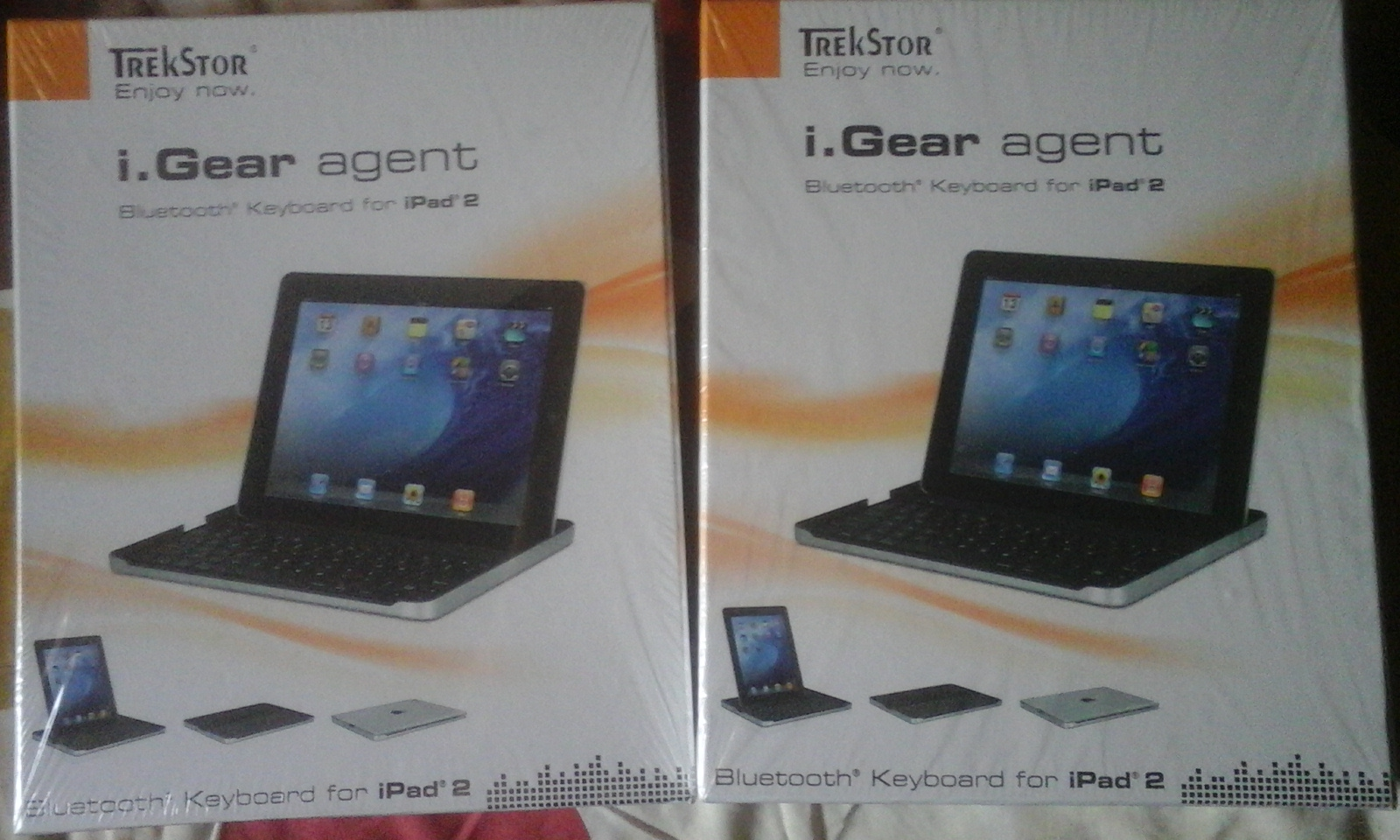 I Pad 2 Bluetooth Keyboard and Stand for R350