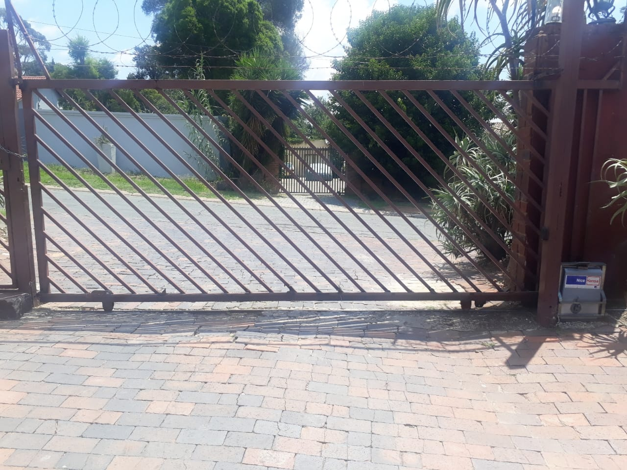 ELECTRICAL GATE-INSTALLATIONS AND REPAIRS