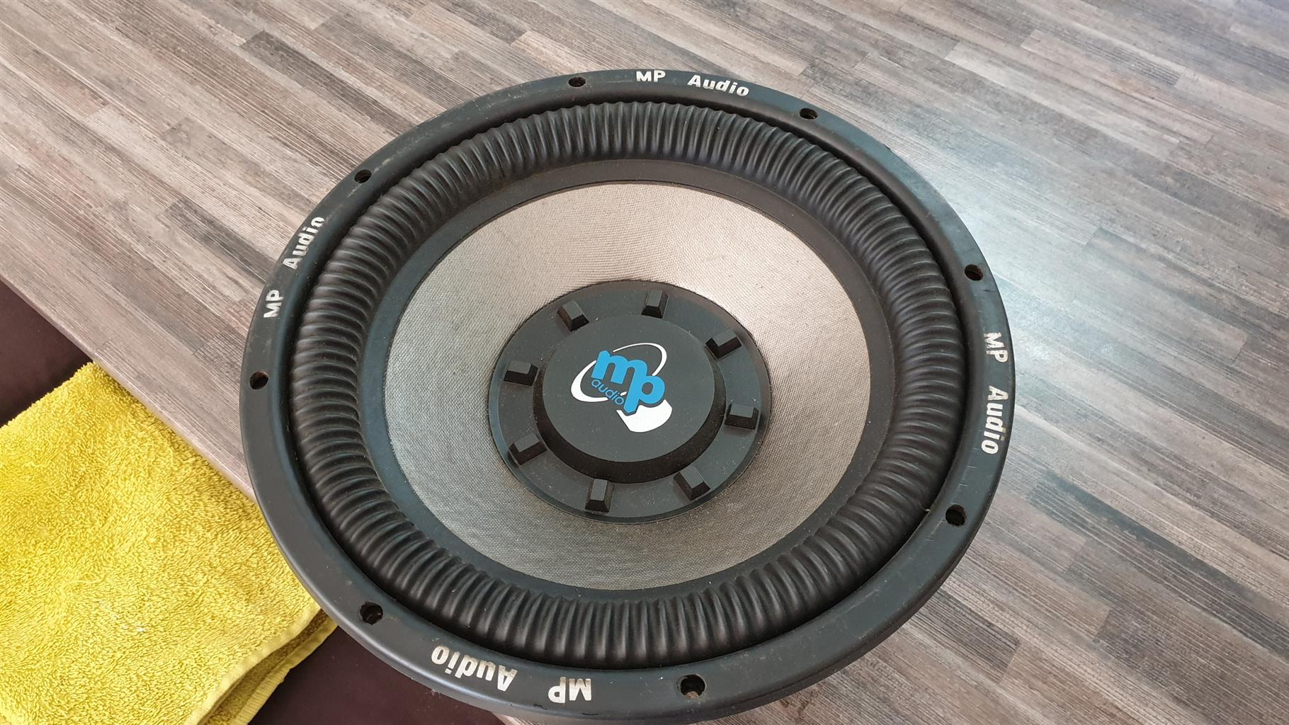 Subwoofers and amplifier