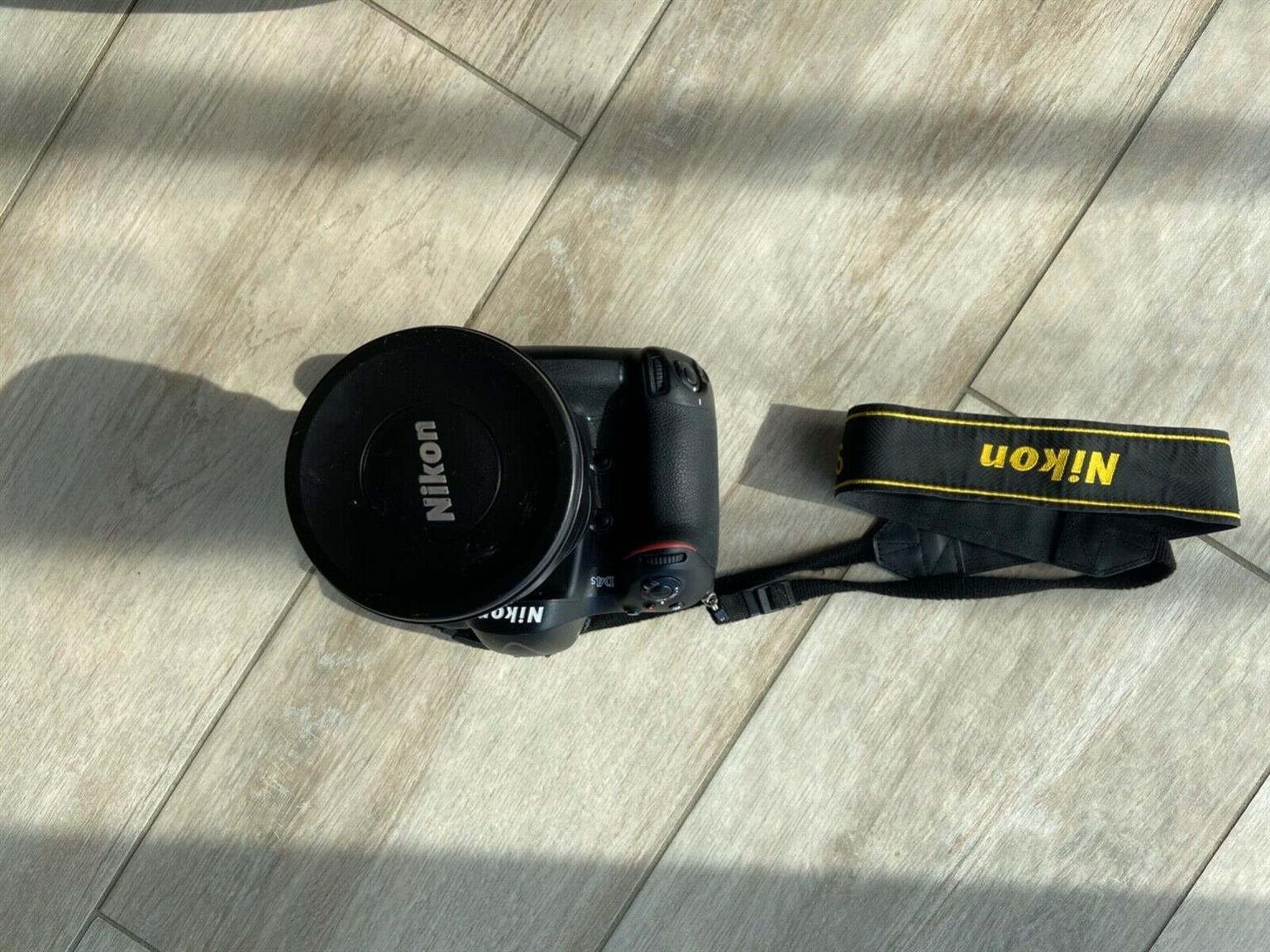 used Nikon d4s with 14-24mm and Nikkor 50mm lenses