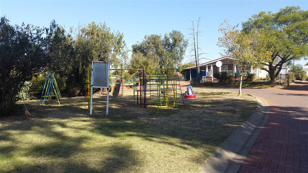 House to rent and share in hyde park ladysmith