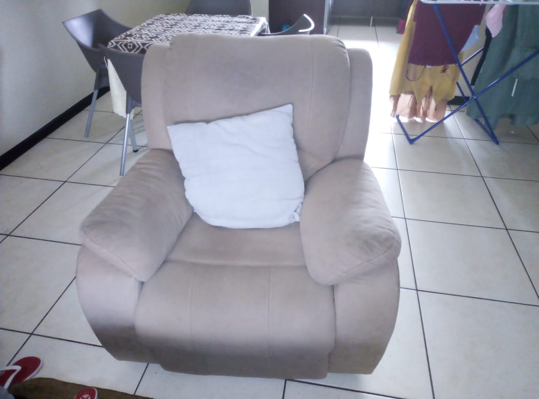 1 seat couch