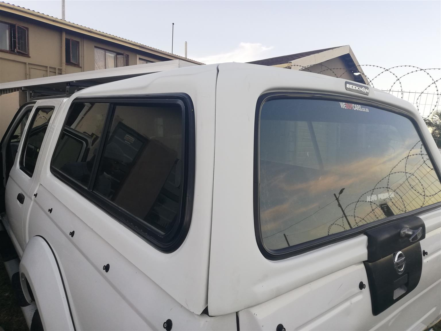 Canopy np300 nissan double cab