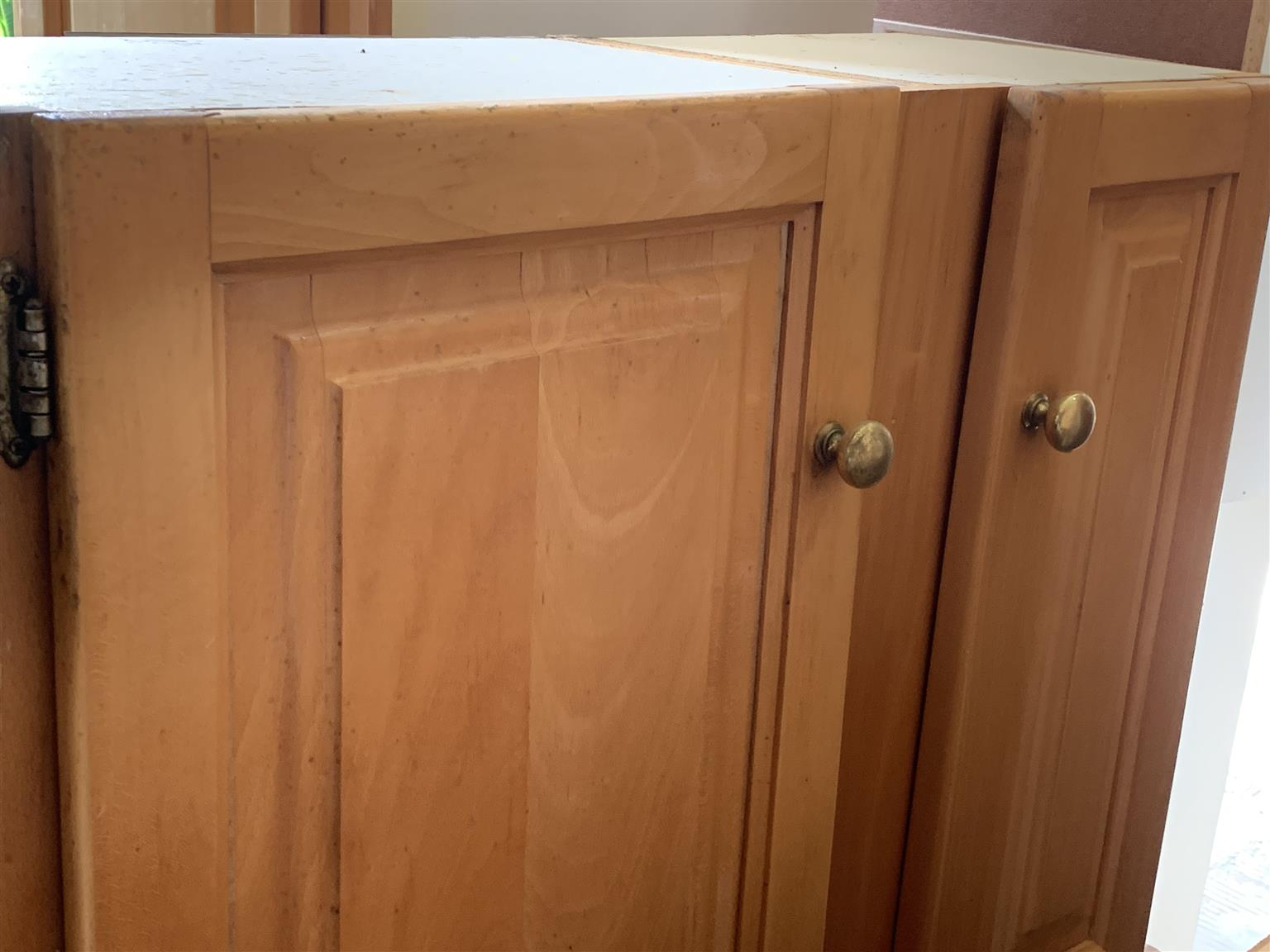 Solid Maple wood full set of kitchen cupboards