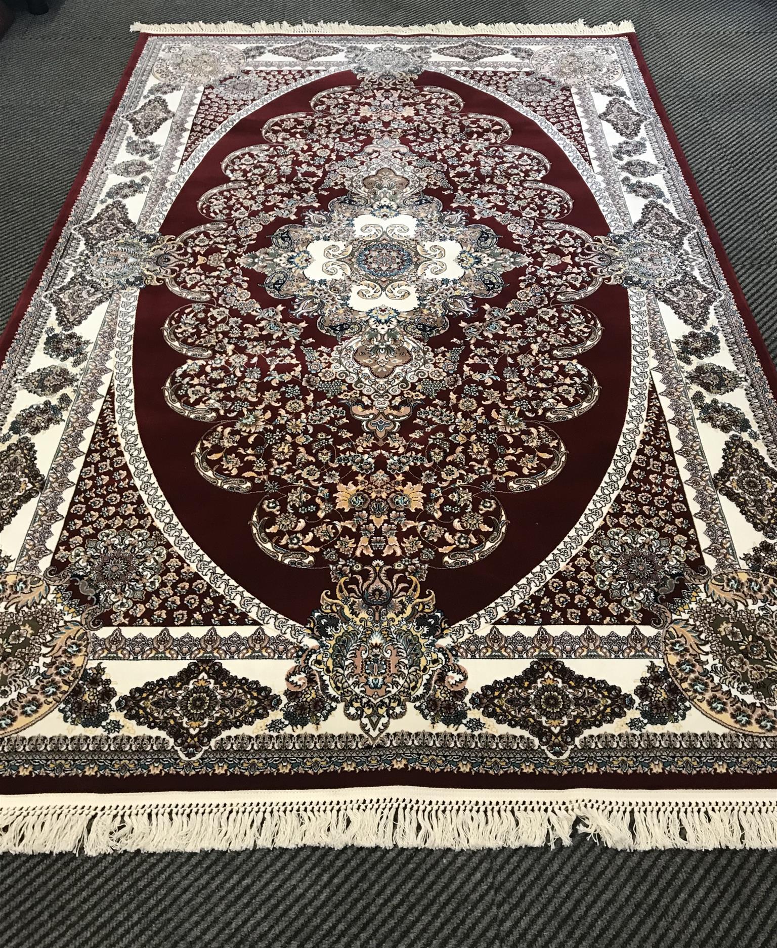 BRAND NEW PERSIAN CARPET 2.1m X 1.8m
