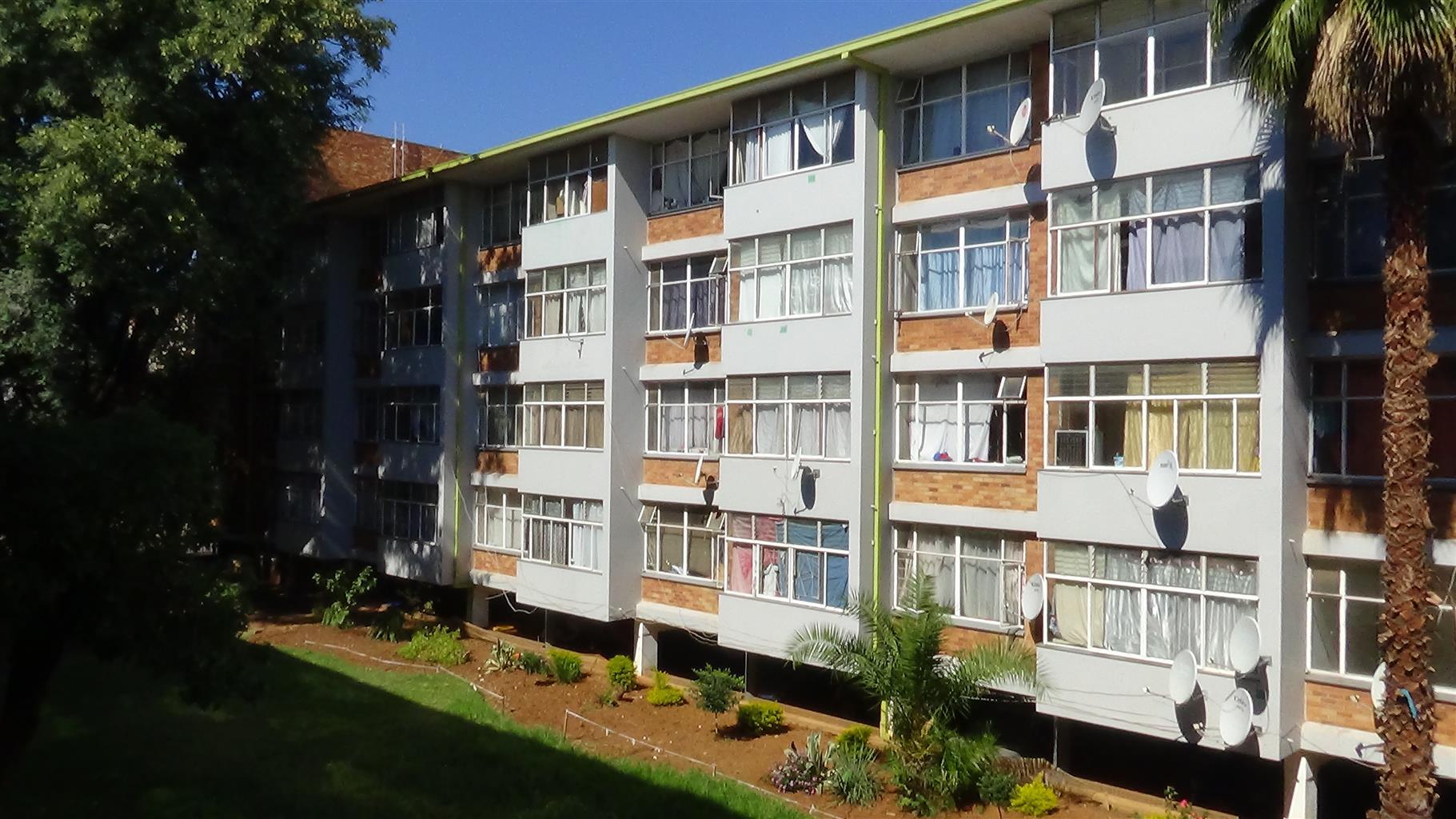 Attention Investors!!! 4.5 Bedroom Flat in Sunnyside – R 585 000