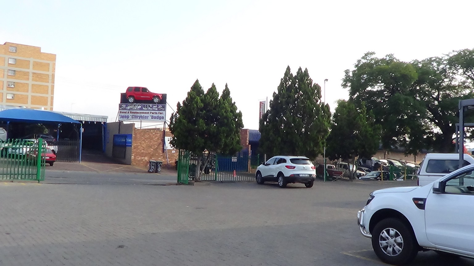 Massive Commercial Property with Shops and Offices available in Hermanstad
