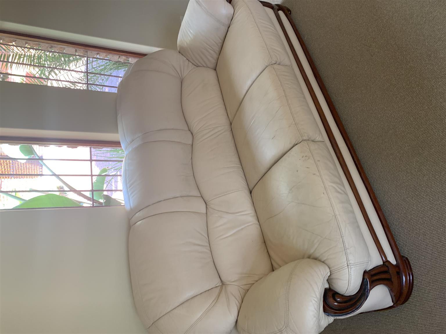 Beautiful leather lounge suite