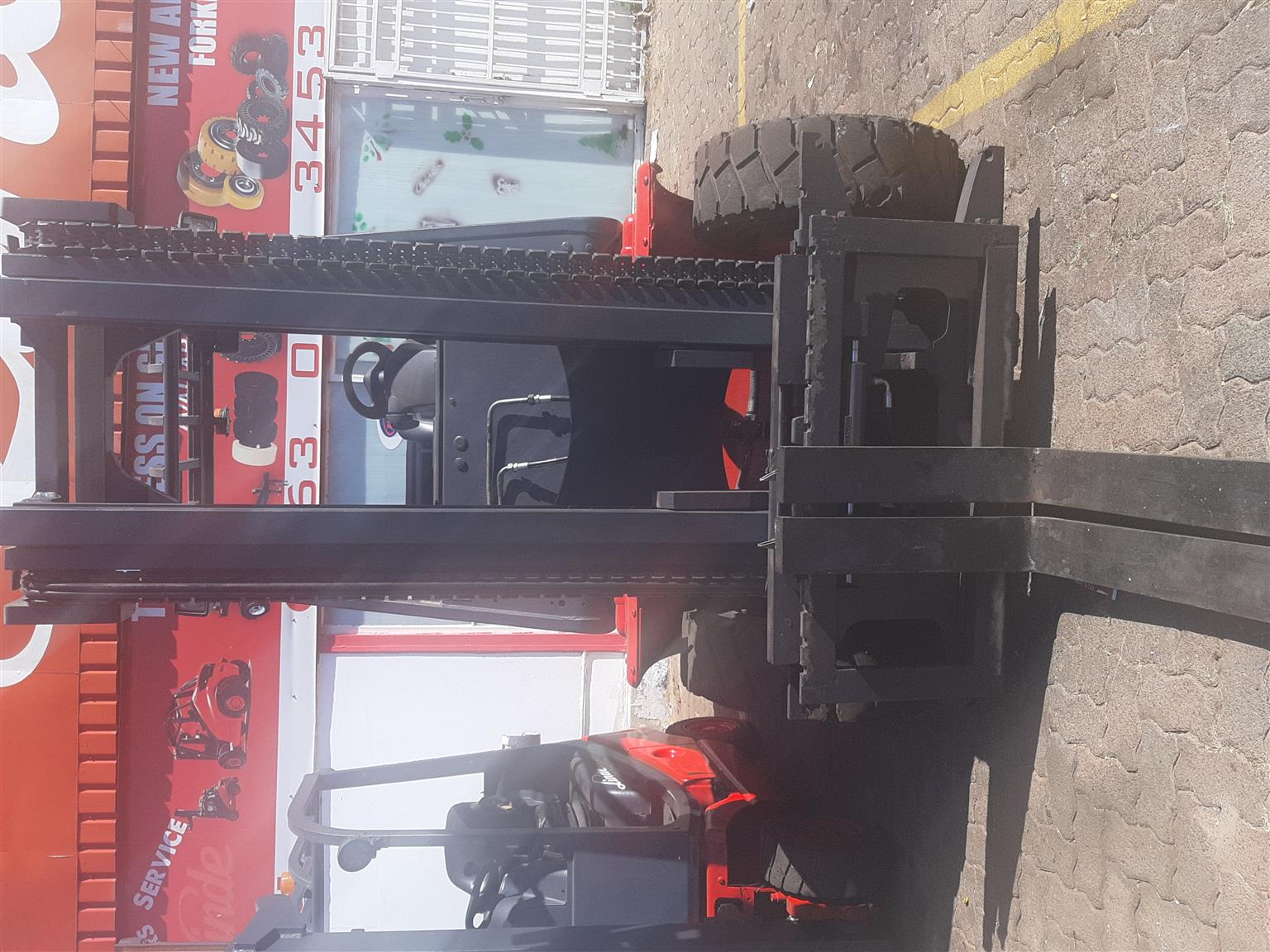 LINDE MACHINE FOR SALE - 4 TON