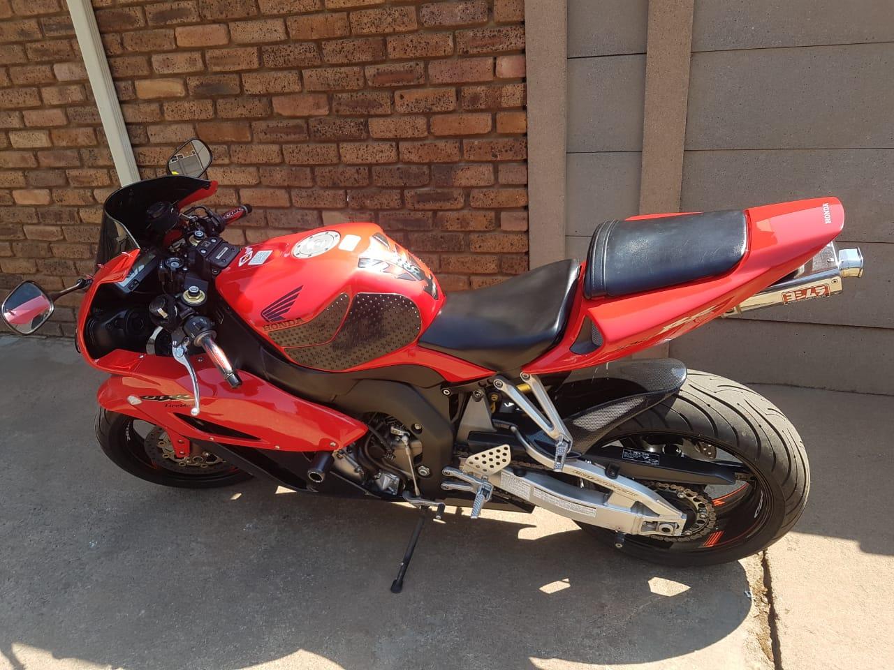 2004 Honda CBR