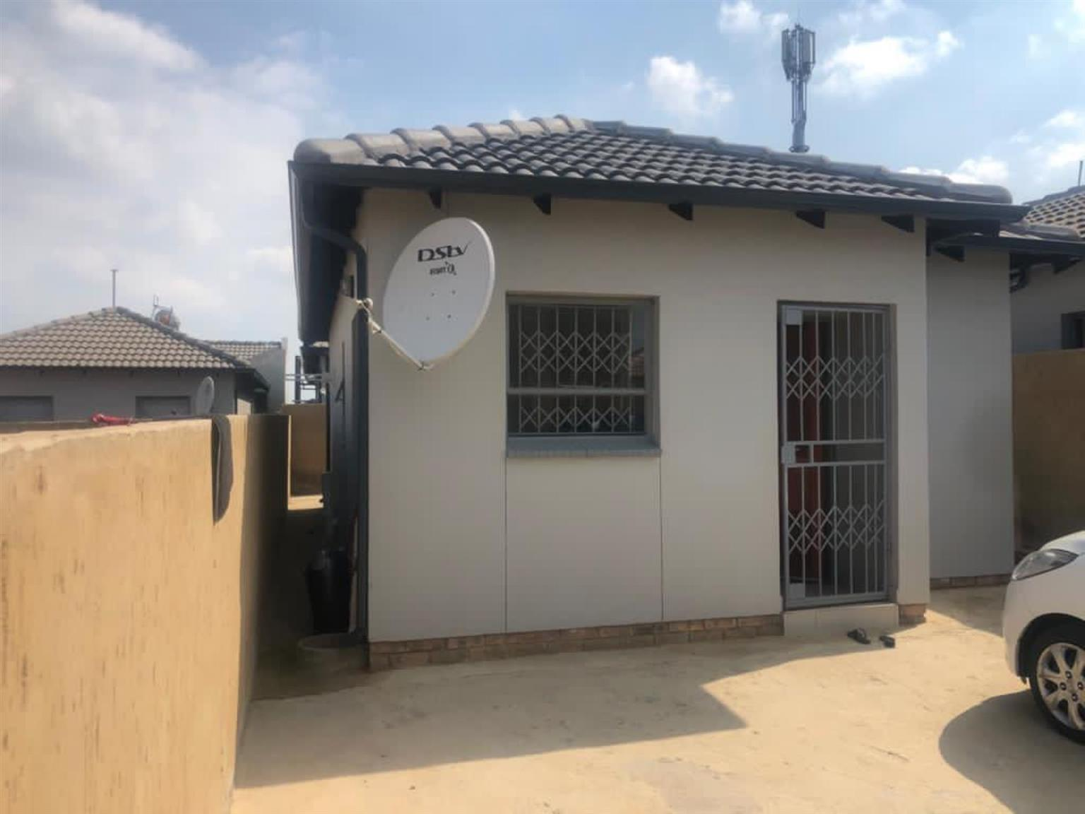 House For Sale in Clayville Ext 45