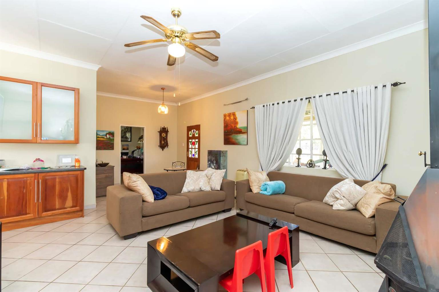 Small Holding For Sale in Flora Park