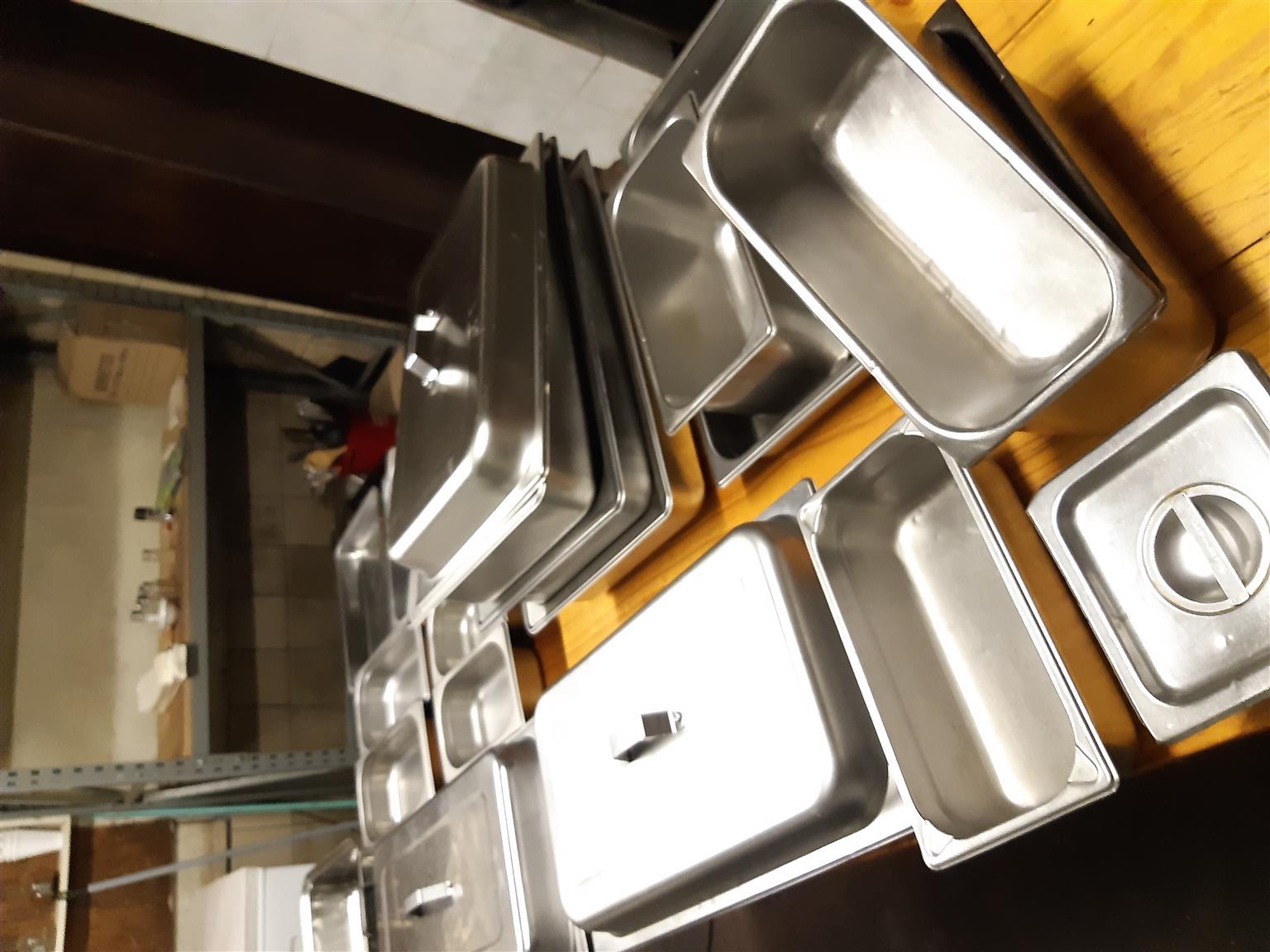 Glasware, cutlery, bay marines etc as a LOT