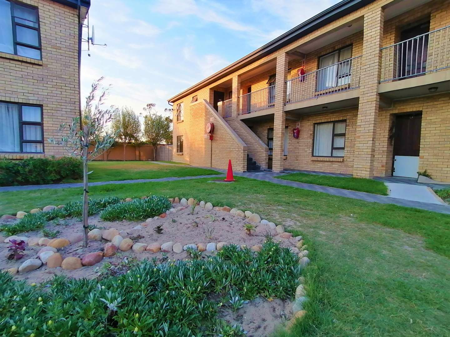Apartment For Sale in Fairview Golf Estate