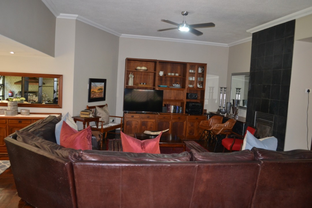 House For Sale in Silverton