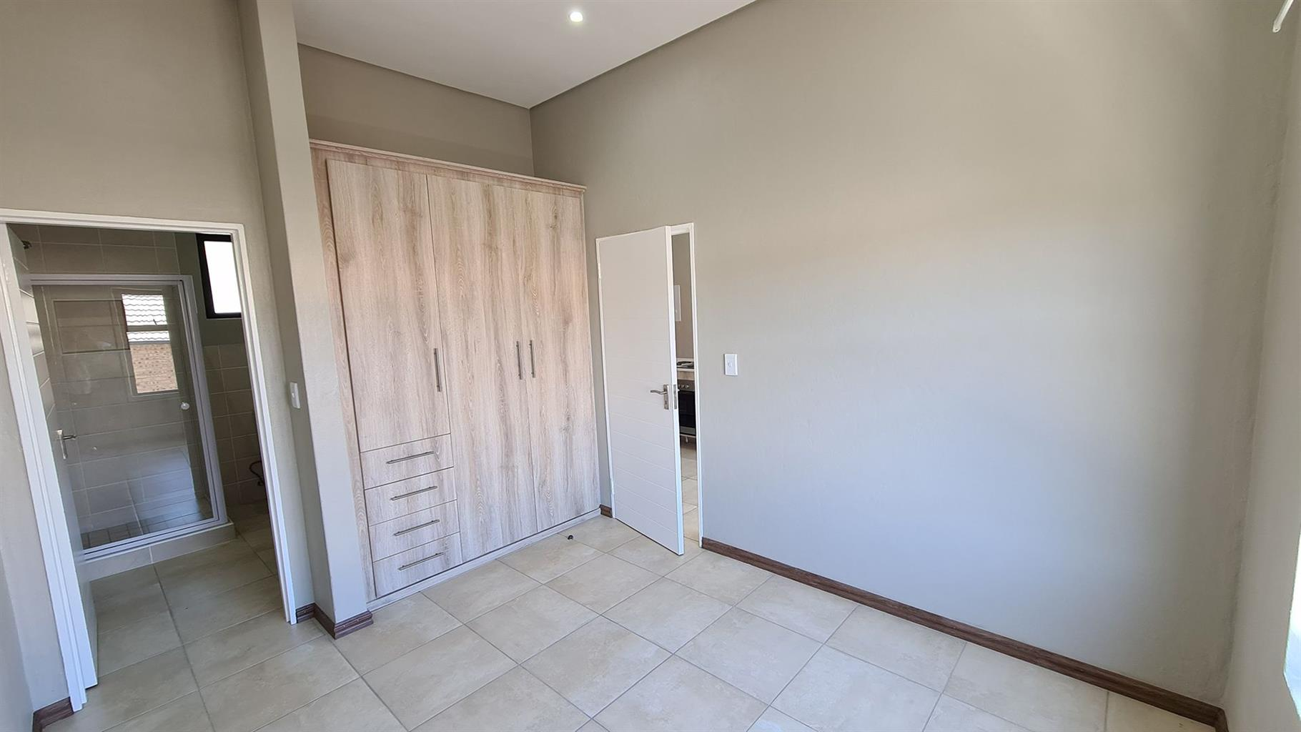 Apartment Rental Monthly in Hyde Park